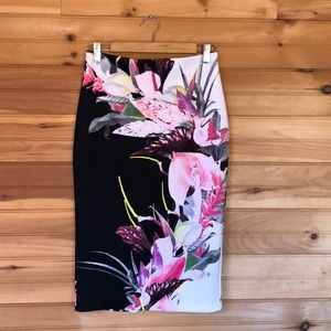 New York & Co 7th Ave Design Studio floral skirt S
